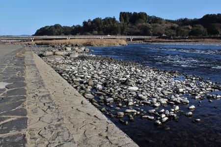 Concrete dike on the bank of Kuma River in Japan Stockfoto - 115497480