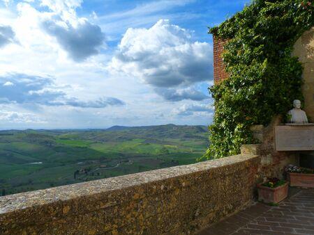 Looking At Toscanna