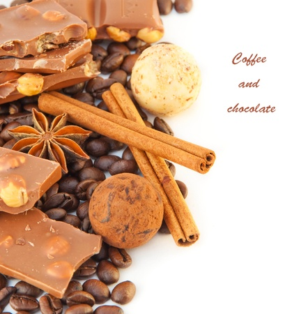 Taza de caf� con chocolate, granos de caf� con canela y an�s una photo