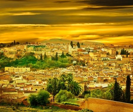모로코, 페스의 도시에서 도시 벽의 풍경