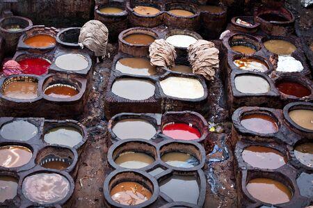 amoniaco: Las f�bricas de cuero marroqu�es, artesan�a antigua medina de Fez