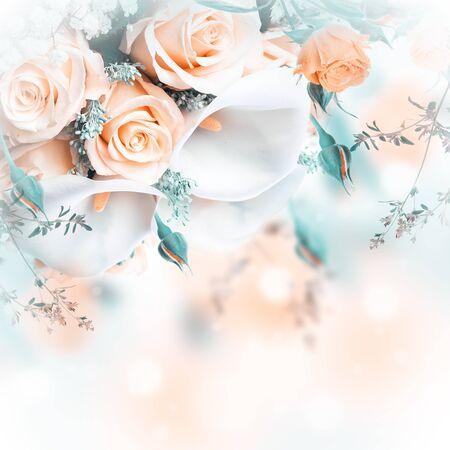rosas amarillas: Ramo para la novia de rosas amarillas y calas blancas, fondo floral.