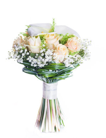 Bouquet for the bride of yellow roses and white calla lilies, floral background. Foto de archivo