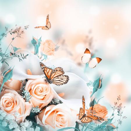donna farfalla: Bouquet per la sposa di rose gialle e calle bianche, farfalla.