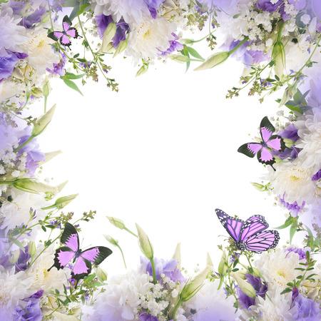 femme papillon: Bridal bouquet de fleurs blanches et roses, papillon Banque d'images