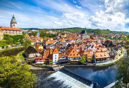 La straordinaria città di Cesky Krumlov nella Repubblica Ceca. Centro storico europeo e splendore. Archivio Fotografico
