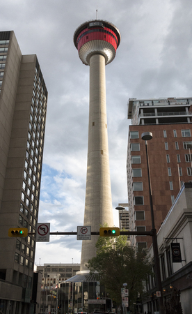 Calgary, AlbertaCanada – August 30, 2015: The Calgary Tower seen from the intersection of Centre St. & 8 Avenue SW in Calgary, Alberta. Sajtókép