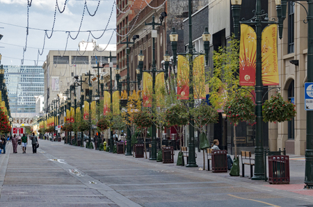 Calgary, AlbertaCanada – August 30, 2015: The Stephen Avenue Walk on a Summer day in Calgary, Alberta. Sajtókép