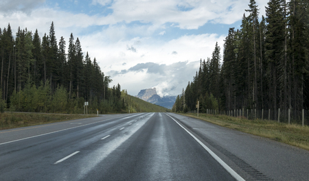 The incredibly gorgeous beginning of the Icefields Parkway in Alberta, Canada. Stock fotó