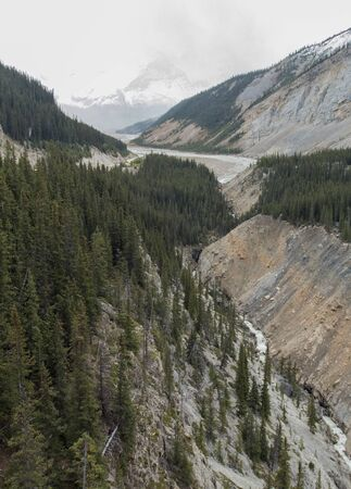 A view of Jasper National Park as seen from the Glacier Skywalk in Alberta, Canada. Stock fotó
