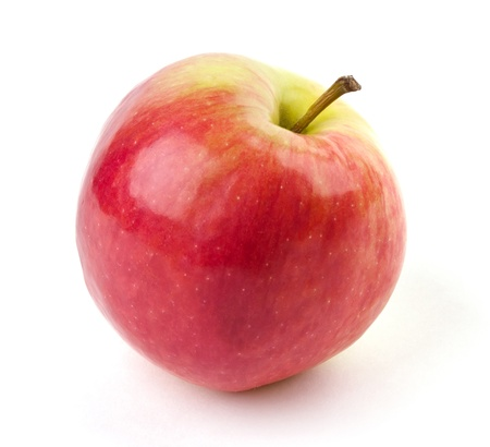 mela rossa: Mela matura succosa, isolato su sfondo bianco