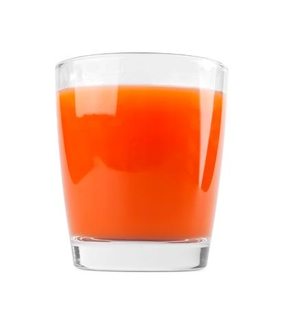 verre de jus d orange: Le jus de carotte sur fond blanc