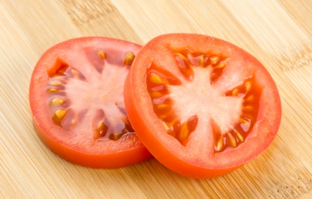 slice tomato: Fresh slice tomato background