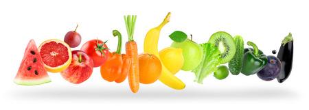 fruits et légumes de couleur sur fond blanc. concept alimentaire