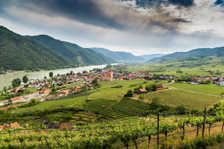 Scenic View into the Wachau with the river Danube and the market town Weissenkirchen in Lower Austria. Famous UNESCO cultural landscape known for its wine. 版權商用圖片