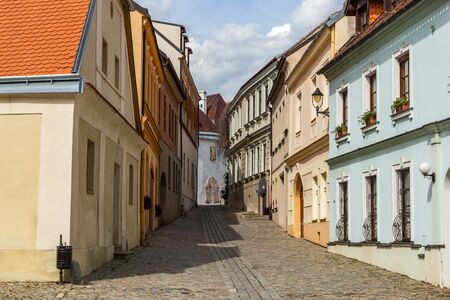 Street in Znojmo - Czech Republic. Historical center. Downtown. 版權商用圖片 - 127535785
