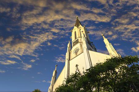 City parish church in Melk city center on a sunset. Lower Austria, Wachau Valley. 版權商用圖片