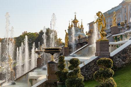 The Peterhof Palace and Gardens complex. Saint Petersburg. Russia. 新聞圖片