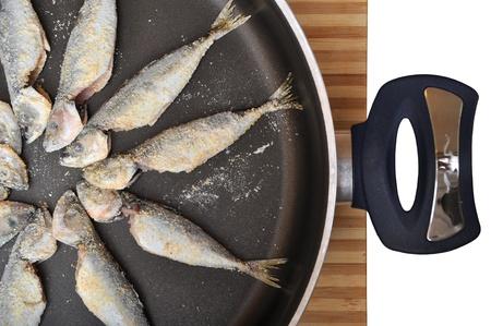 Teflon pan ready to cook fresh raw fish Stock Photo - 18333404