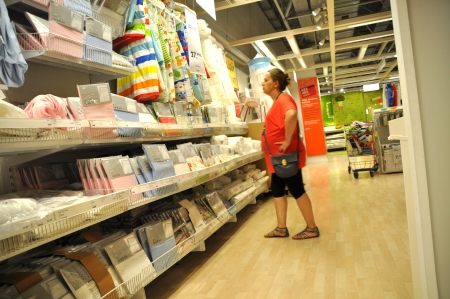 shoppingcarts: Ikea, home improvement store, people who shop Editorial
