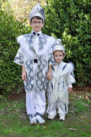 caftan: Turkey to become children circumcised. Children wear costumes sultan before circumcision.