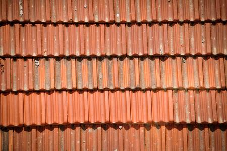 coincidir: Azulejos en un techo. Textura o fondo Foto de archivo