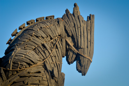 cheval de troie: Wooden giant trojan horse in Cannakalle - Turkey this was used in brad pitt troya movie. Photo taken on: September, 2015