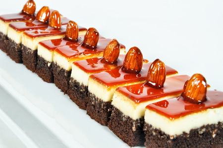 wedding customs: Prepared for special occasions, delicious and beautiful brownie cake