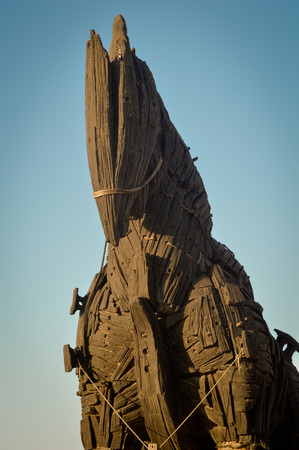 troya: Wooden giant trojan horse in Cannakalle - Turkey this was used in brad pitt troya movie. Photo taken on: September, 2015