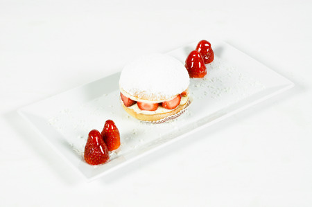 Prepared for special occasions, delicious and beautiful strawberry cake
