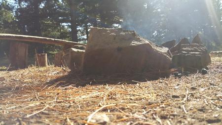 humo de fogata, campamento Foto de archivo