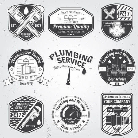 Set of retro vintage badges and labels. Plumbing and heating service. Emergency service logo. Vector illustration. Elements on the theme of the plumbing service business. Stock Illustratie