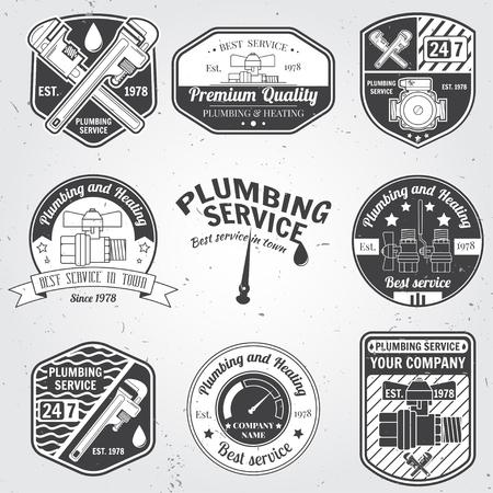 Set van retro vintage badges en labels. Sanitair en verwarming service. Hulpdiensten logo. Vector illustratie. Elementen op het thema van het sanitair service business.