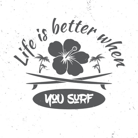 Surf board hire concept. Vector Summer surfing retro badge. Surfing concept for shirt or logo, print, stamp. Surf icon design. - stock vector. Stock Illustratie