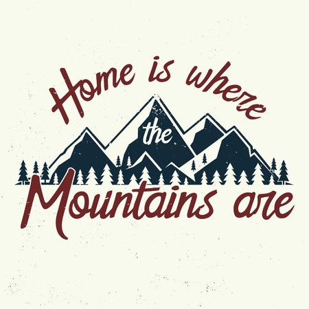 家は山があります。  イラスト・ベクター素材
