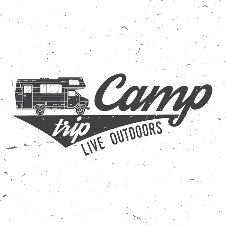 Camp trip live outdoors illustration. Vectores