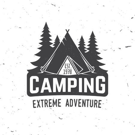 Camping extreme adventure . Vector illustration. Imagens
