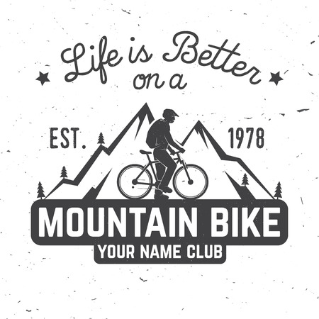 Life is better on a mountain bike. 向量圖像