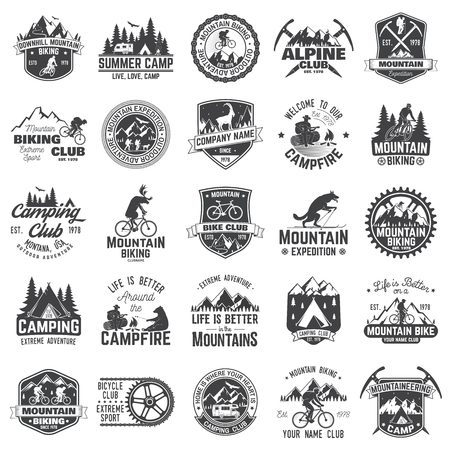 Set of extreme adventure badges. Concept for shirt or logo, print, stamp or tee. Vettoriali