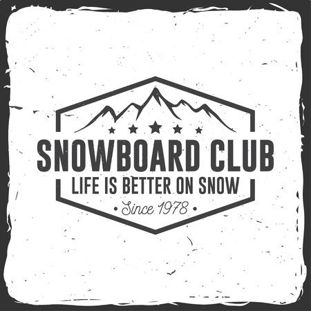 Snowboard Club. Vector illustratie. Concept voor shirt, print, stempel of tee. Vintage typografieontwerp met bergsilhouet. Extreme sport.