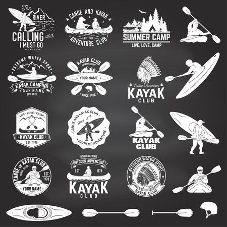カヌー ・ カヤック クラブのバッジ、黒板上のデザイン要素のセットです。ベクトル。シャツ、印刷の概念、スタンプや t シャツ。山、川、アメリ