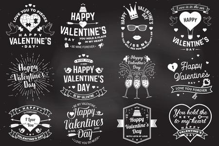 Insieme del segno di giorno di San Valentino felice. Timbro, carta con chiave, uccello, amur, freccia, cuore. Vettore. Design tipografico vintage per inviti, emblema di celebrazione romantica di San Valentino in stile retrò.
