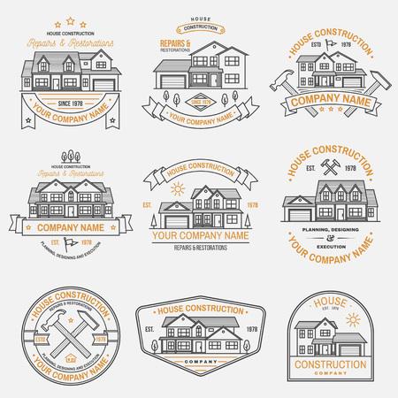 Ensemble d'identité d'entreprise de construction de maisons avec maison américaine de banlieue. Illustration vectorielle. Insigne de ligne mince, signe pour les entreprises liées à l'immobilier, au bâtiment et à la construction.