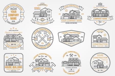 Ensemble d'identité d'entreprise de construction de maisons avec maison américaine de banlieue. Illustration vectorielle. Insigne de ligne mince, signe pour les entreprises liées à l'immobilier, au bâtiment et à la construction. Vecteurs