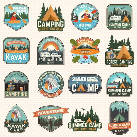 캠프 및 카약 클럽 배지 벡터의 집합입니다. 패치, 인쇄에 대한 개념입니다. 캠핑, 산, 강, 아메리칸 인디언, 캠핑카, 카약 실루엣이 있는 빈티지 디자인. 익스트림 수상 스포츠 카약 패치