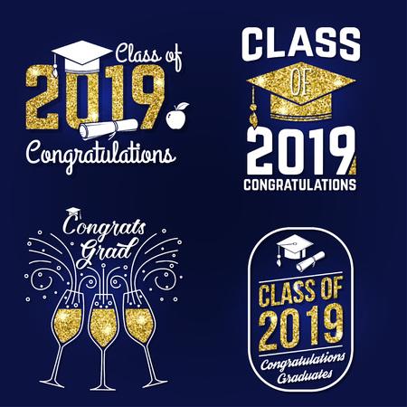 Conjunto de insignia de clase de vector de 2019. Concepto de camiseta, estampado, sello, superposición o sello, saludo, tarjeta de invitación. Diseño con gorro de graduación, diploma, manzana y clase de texto.
