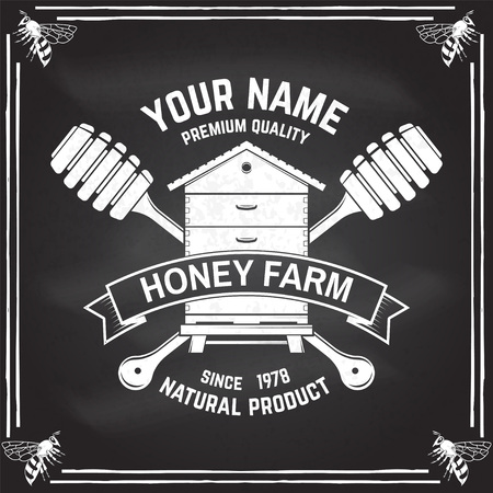 Honey farm badge. Vector. Concept for shirt, print, stamp or tee. Vintage typography design with hive and honey dipper silhouette. Retro design for honey bee farm business Vectores