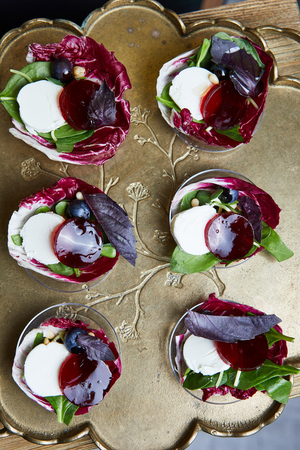 Closeup Of Healthy Organic Vegan Salads With Superfoods Imagens - 122083974