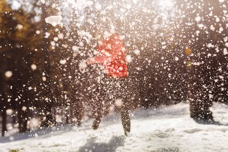 boule de neige: fille hiver boule de neige Banque d'images