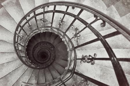 La Espiral Escaleras St.Stephens Basílica. Budapest, Hungría Foto de archivo - 36363396